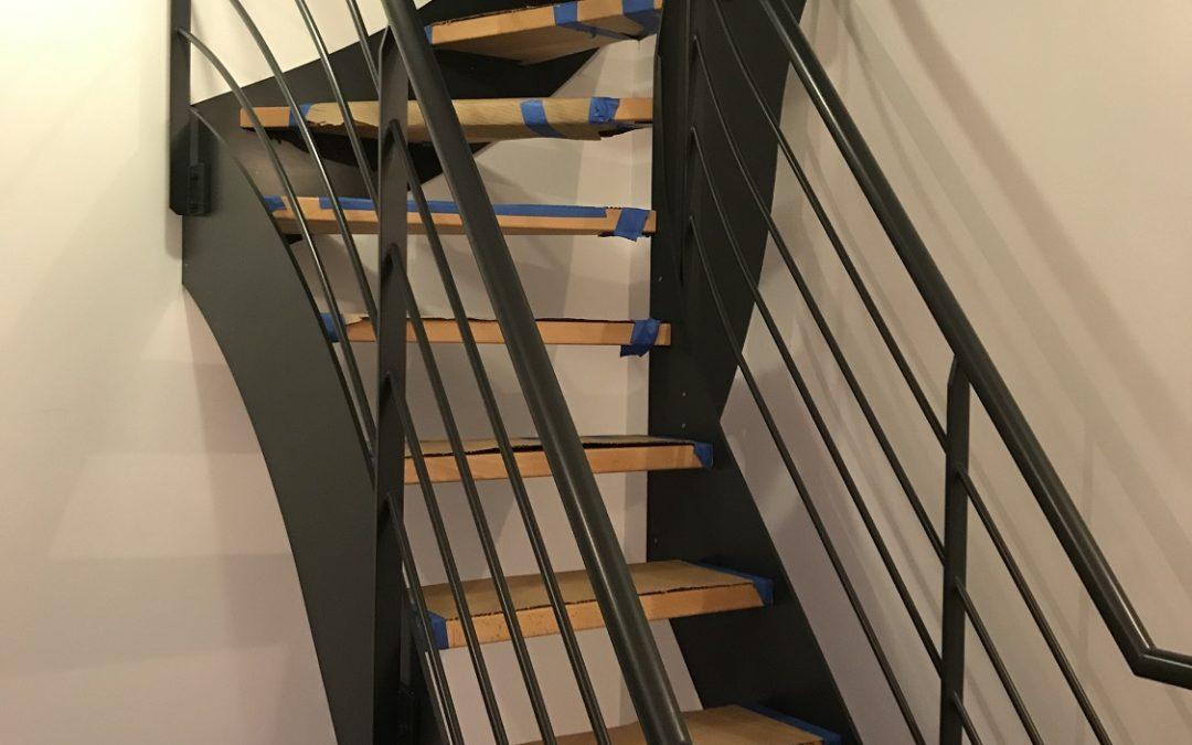 Pourquoi préférer un escalier en métal plutôt que bois ?